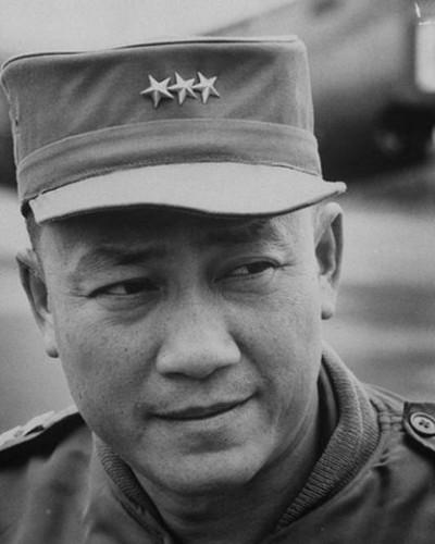 15-nhan-vat-quyen-luc-sau-nam-1975-6-Tran-Van-Don