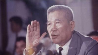 15-nhan-vat-quyen-luc-sau-nam-1975 tran van huong