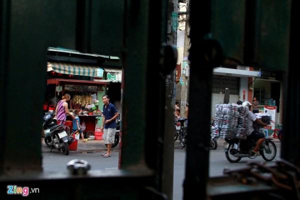 Dẫu vậy, với niềm hoài cổ, tình nghĩa xóm giềng và của hương vị đặc biệt, những chiếc xe mì nhỏ vẫn tồn tại khắp nơi. Một chút hình bóng của Sài Gòn xưa lưu lại giữa náo nhiệt của Sài Gòn ngày nay.