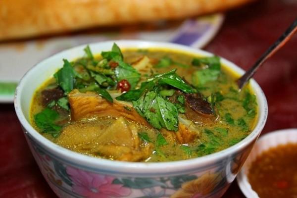 Được nấu từ lòng heo, bò với nước dừa - Ảnh: nhatrangclub