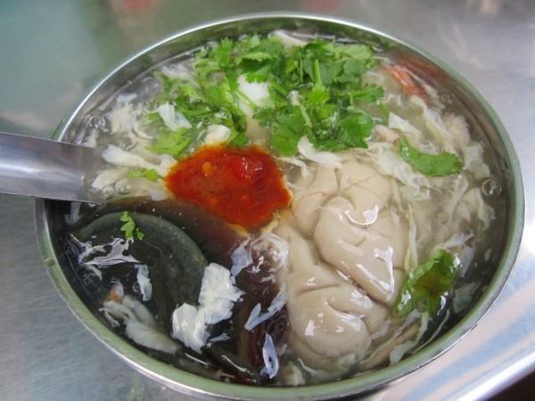 Có thể ăn cùng óc heo vá trứng bách thảo, giúp vị súp thêm béo - Ảnh: quanngonsaigon