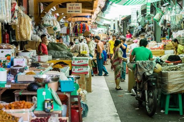 Một góc chợ Bình Tây. Ảnh: Cartas para Elisa
