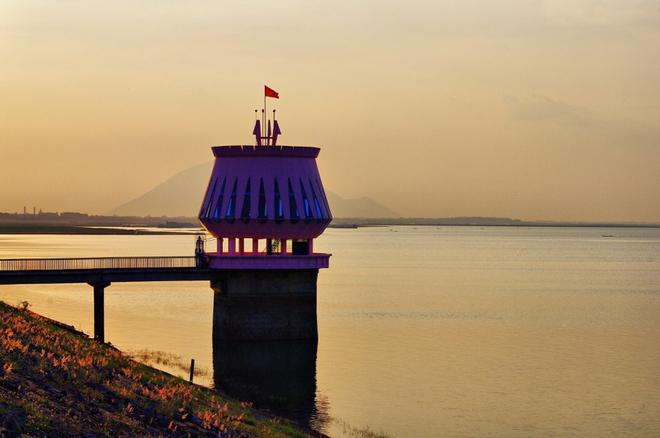 hồ Dầu Tiếng-1