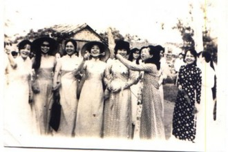 Giảng viên Học viện Âm nhạc Việt Nam năm 1975.