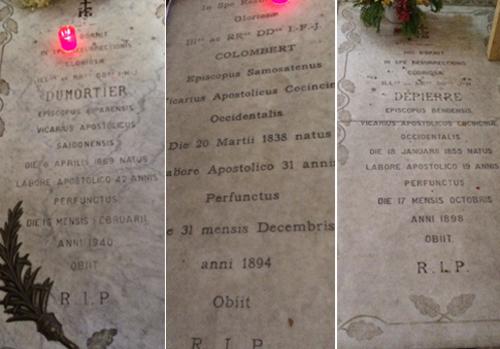 Những bia mộ dưới nền nhà thờ Đức Bà Sài Gòn. Ảnh: Trung Sơn