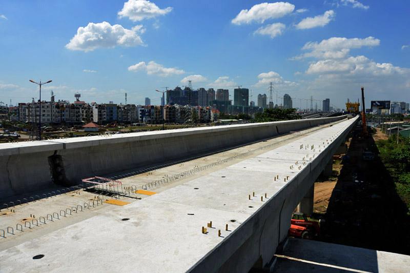 Đoạn dầm cầu cạn 1 km đầu tiên được hoàn thành, khởi đầu cho 17,1 km đi trên cao