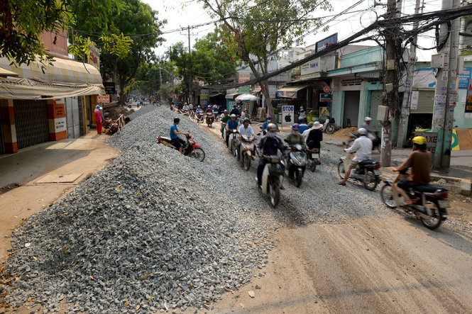 Sài Gòn - 47-lo-cot-o-27-duong-sai-gon 2