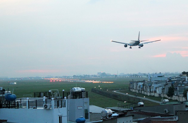 Du lịch Sài Gòn - cf may bay-2