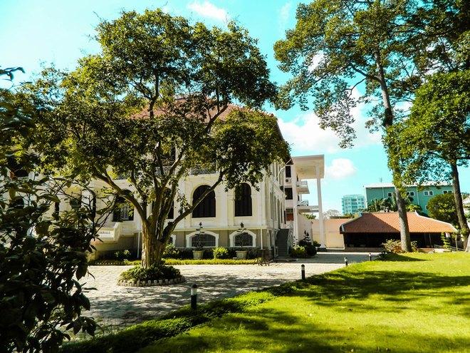 Sài Gòn - nhà cổ 200 tuổi 1