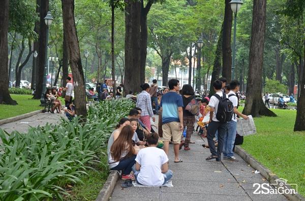 """Công viên 30/4 là điểm dừng chân ngắm """"rốn"""" Sài Gòn."""