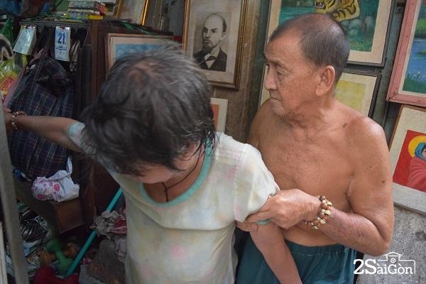 Vợ chồng lão họa sỹ nghèo.