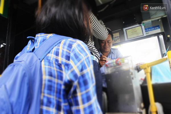 Chú tài xế Lưu Trọng Thọ từ lâu nổi tiếng là tài xế thân thiện số một của sinh viên ở Sài Gòn.