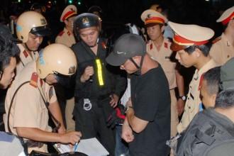 Công an TP.HCM trong một đợt ra quân trấn áp tội phạm - Ảnh: Nguyên Bảo