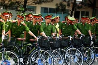 Ngày 30/3, UBND quận 5 tổ chức lễ bàn giao 59 chiếc xe đạp cho lực lượng CSKV của các phường  trên địa bàn.