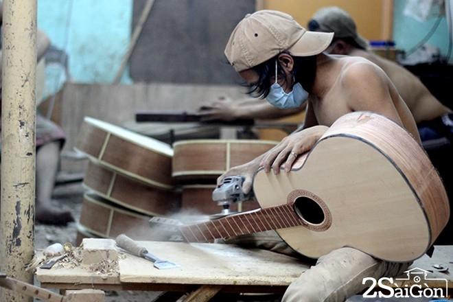 sài gòn - xưởng làm đàn guitar 10