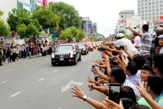 Trong buổi chiều ở TP.HCM, những nơi Tổng thống Obama đi qua đều nhận được sự chào đón nồng nhiệt của người dân.