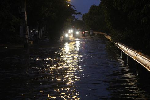 Khu hẻm 158, đường Phan Anh, Q. Bình Tân thường xuyên chìm trong biển nước trong nhiều ngày