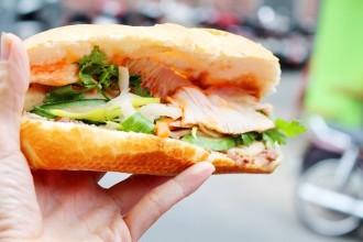 7 tiệm bánh mì đông khách ở Sài Gòn 1