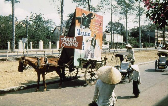 Những kiểu quảng cáo của người Sài Gòn xưa 9
