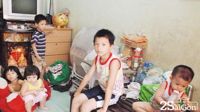 Trong ngôi nhà người cha vật lộn nuôi 11 đứa con thơ giữa Sài Gòn 1