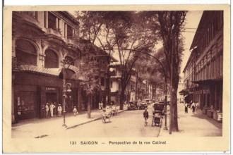Đường Catinat (hiện là Đồng Khởi) năm 1920. Đây là con đường sang trọng nhất Sài Gòn thời thuộc Pháp dành cho giới thượng lưu. Ảnh tư liệu