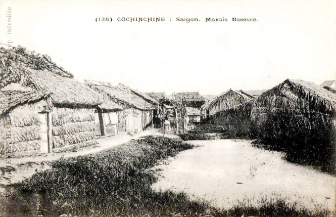 Ao Bồ Rệt (marais Boresse) dù nằm trong khu vực 3km2 quy hoạch của Pháp trước 1914 (năm khánh thành chợ Bến Thành) vẫn lầy lội, toàn nhà tranh. Hiện nay là Quảng trường Quách Thị Trang, trước chợ Bến Thành. Ảnh tư liệu