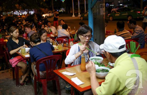4 quán ăn đêm mở đến 3, 4 giờ sáng cho đêm mất ngủ ở Sài Gòn 1
