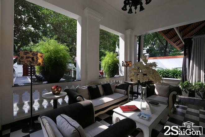 Bên trong nhà hàng luôn đóng cửa ở Sài Gòn 1
