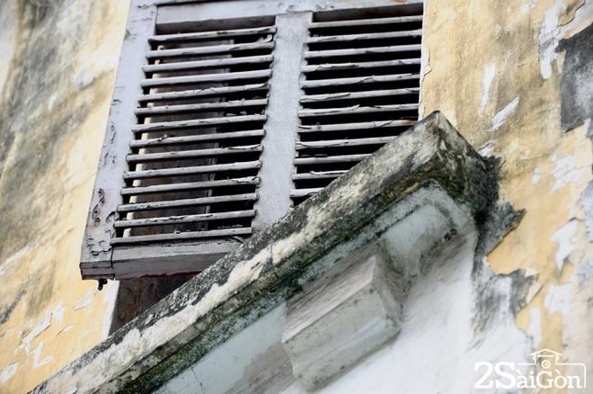 Biệt thự cổ 'bị trăn quấn' đầy vẻ ma mị giữa lòng Sài Gòn 8