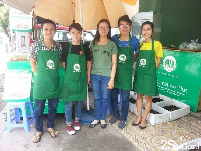 Bỏ cơ hội ở Singapore, cô gái Việt về Sài Gòn bán nước mát 2