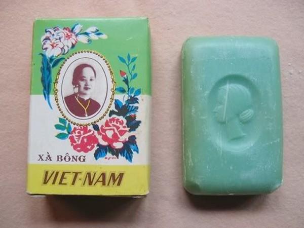 Hình của cô Ba Thiệu được in trên hộp của một hãng xà bông của Việt Nam.