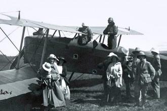 Chuyện ít biết về Sài Gòn xưa: Chuyến bay đầu tiên và ngành hàng không