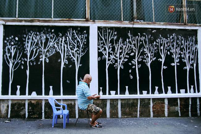 """Cách người Sài Gòn """"đối xử"""" với những bức tường cũ kỹ trong ngõ hẻm 11"""