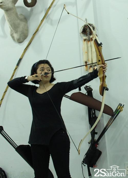 Giới trẻ Sài Gòn thích thú với trải nghiệm bắn cung 2