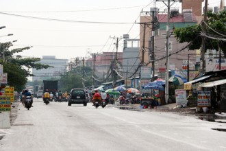 """Mùi hôi thối """"tấn công"""" nhiều nơi ở Sài Gòn 1"""