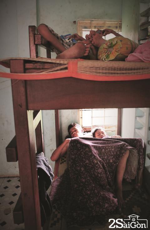 ngắm nhìn khoảnh khắc cuộc sống của những em nhỏ mồ côi giữa Sài Gòn 3