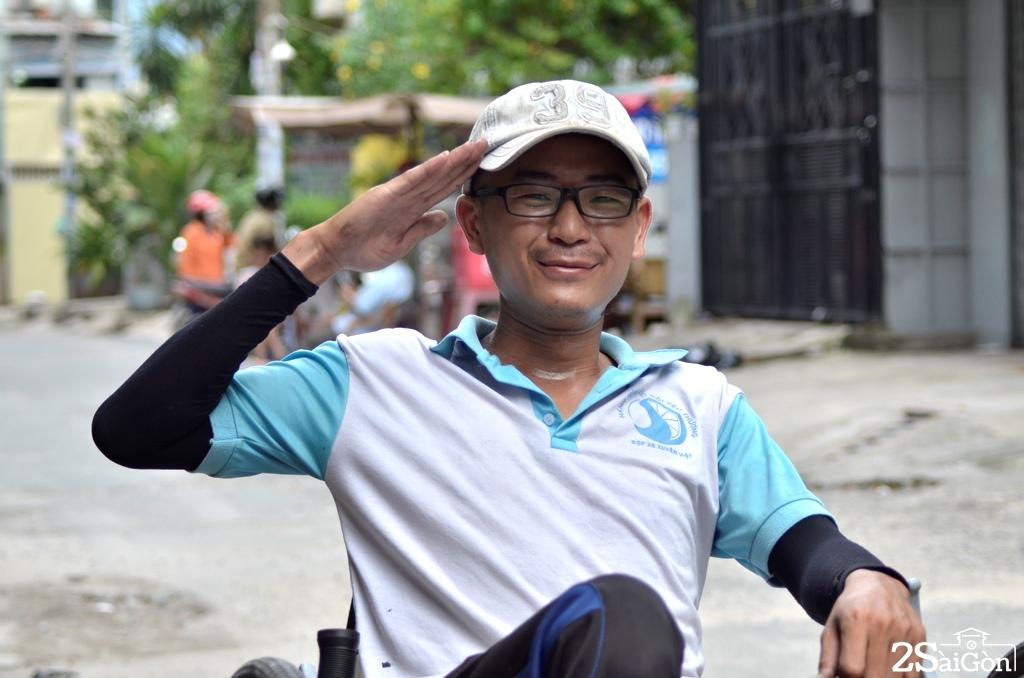 Ngộ nghĩnh xe đạp nằm tự chế trên đường phố Sài Gòn 12