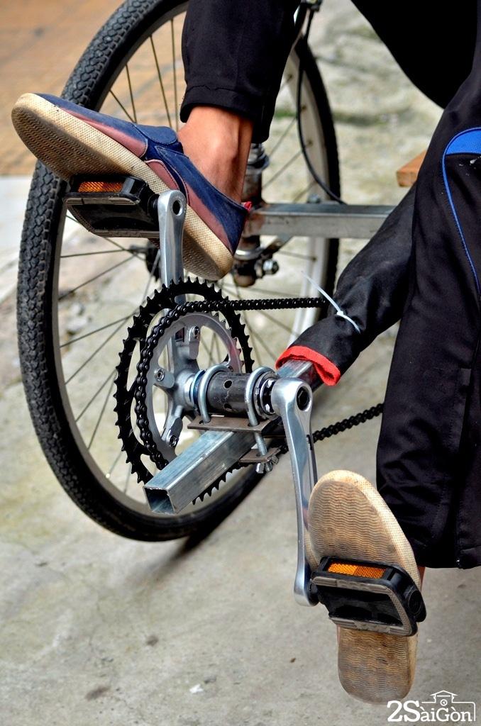 Ngộ nghĩnh xe đạp nằm tự chế trên đường phố Sài Gòn 4