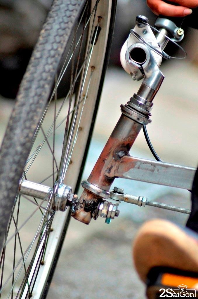 Ngộ nghĩnh xe đạp nằm tự chế trên đường phố Sài Gòn 7