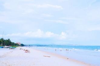 Bình Thuận không thiếu những bãi biển đẹp thế này. Ảnh: hoosiepol