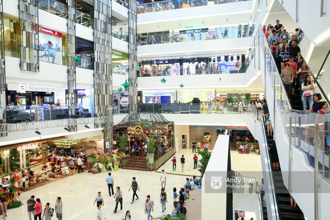 Có gì ở Takashimaya - trung tâm thương mại hot nhất Sài Gòn 9