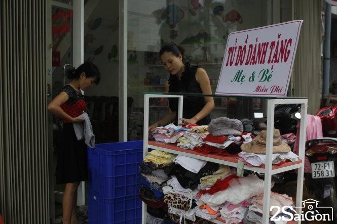 Tủ đồ dễ thương dành tặng cho mẹ và bé giữa Sài Gòn