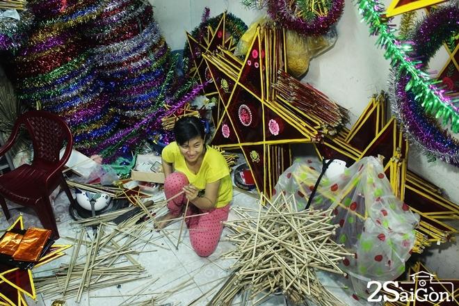 Xóm lồng đèn giấy kiếng hồi sinh giữa Sài Gòn 10