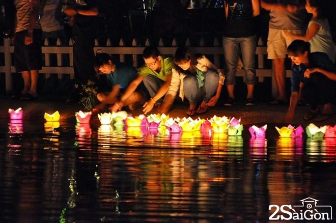 Công viên Lê Thị Riêng là điểm đến quen thuộc của người dân TP HCM.