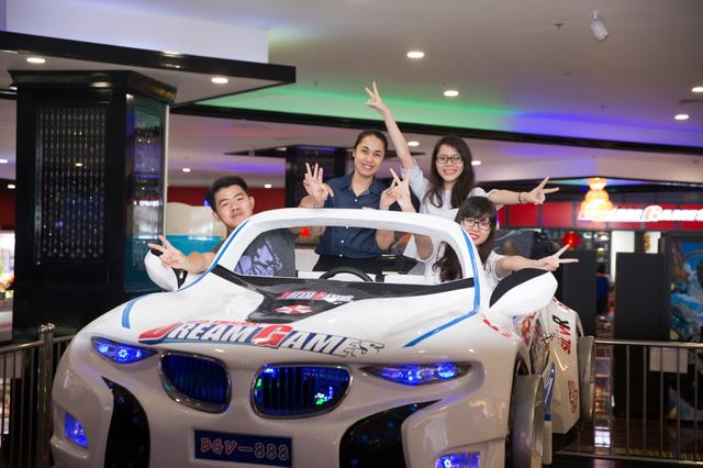 …để thỏa sức vui chơi trong một trung tâm giải trí mang phong cách Nhật Bản, với hệ thống Games – Bowling tiêu chuẩn quốc tế.