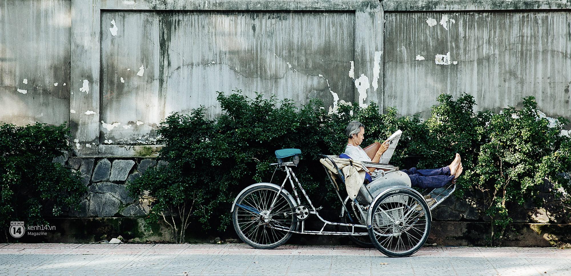 Những khoảnh khắc rất thảnh thơi giữa lòng một Sài Gòn nhộn nhịp.