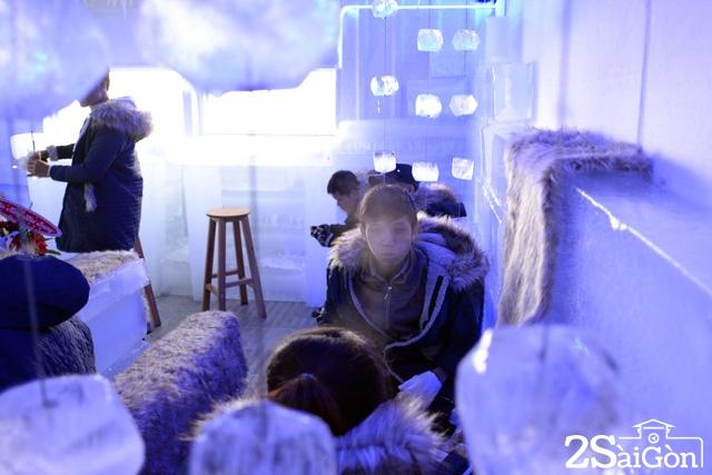 Giới trẻ Sài Gòn thích thú với quán cà phê lạnh -10 độ C 12