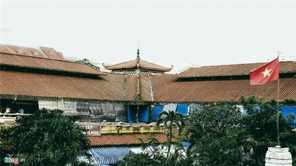Quách Đàm đến nay vẫn là cái tên khá lạ lẫm đối với nhiều người ở Sài Gòn. Bởi tuy giàu có nhưng vì sinh sau đẻ muộn nên vị phú ông người Hoa chưa được dân gian xếp vào một trong tứ đại cự phú của Sài Gòn những năm đầu thế kỷ 20 (gồm Huyện Sỹ - Lê Phát Đạt, Tổng đốc Phương - Đỗ Hữu Phương, Bá hộ Xường - Lý Tường Quan và Chú Hỏa - Hui Bon Hoa).