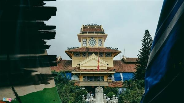 Nhiều người Sài Gòn không khỏi lo lắng về việc bảo tồn kiến trúc đặc sắc của công trình vốn là một phần biểu tượng của thành phố.