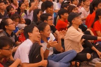 Khuôn mặt sinh viên nào cũng hiển hiện niềm hồ hởi khi tham gia chương trình